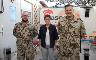 Truppenbesuch bei Bundeswehrsoldaten in Jordanien und Irak